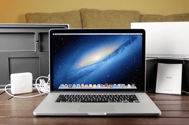 mac-accessories-for-college-freshmen