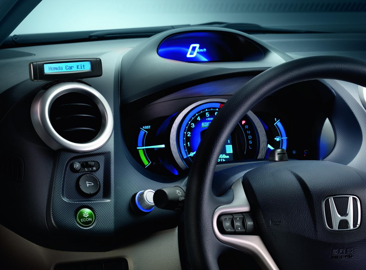 Coolest Car Accessories For Tech-Savvy Drivers To Travel In Comfort